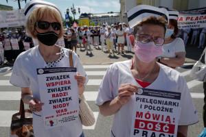 Pielęgniarki wyszły na ulice i apelują do rządu: Opamiętajcie się