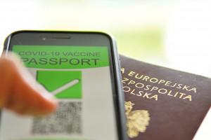 To rekord. Polacy w 7 dni pobrali ponad milion paszportów covidowych