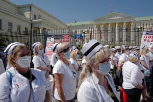 """MZ """"chwali się"""" wzrostem zainteresowania studiami pielęgniarskimi"""