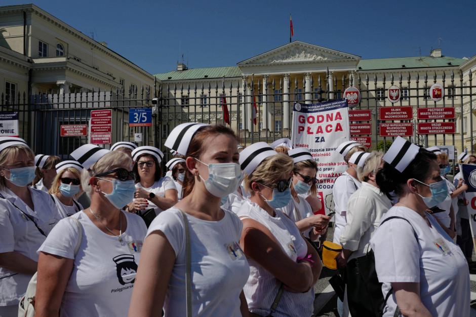 Pielęgniarki podsumowały strajk ostrzegawczy. Są gotowe na kolejne protesty. W czwartek Senat