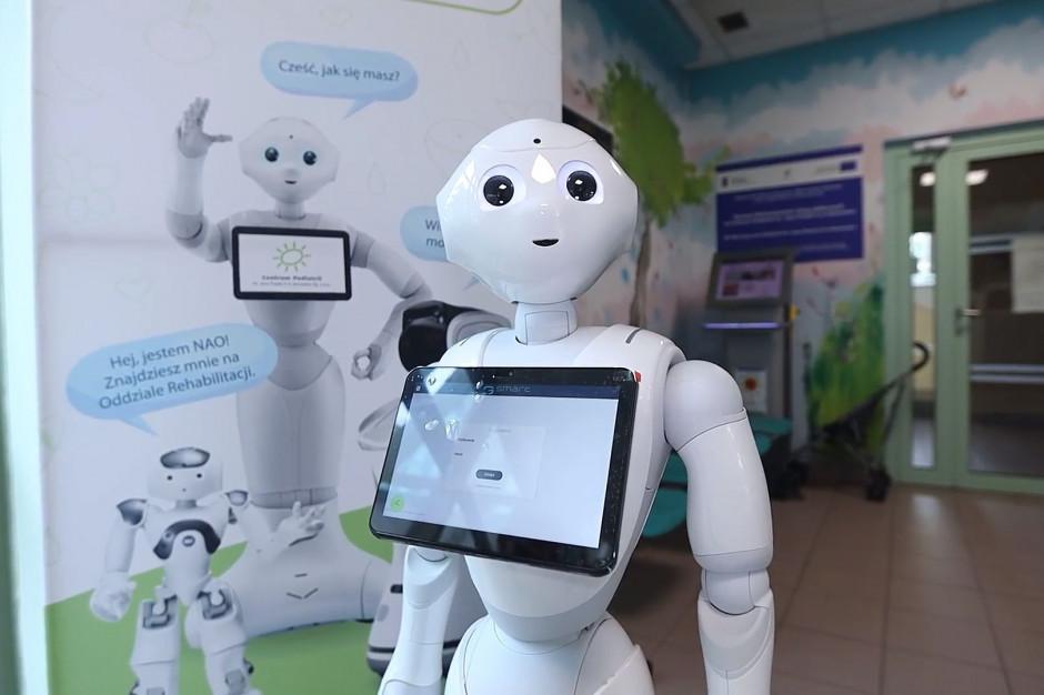 Sosnowiec. W Centrum Pediatrii na etacie są roboty. Mierzą temperaturę, ćwiczą z pacjentami, opowiedzą też bajkę