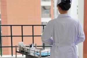Pielęgniarka podejrzana o zabicie pacjentów czeka na proces. Złożyć wniosek o odszkodowanie