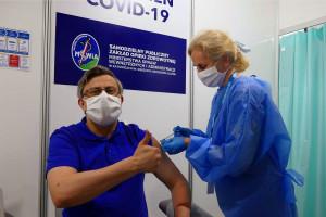 Największy punkt szczepień w Katowicach przenosi się do nowej lokalizacji. Już nie MCK