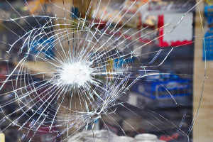 30-latek zastrzelił kasjerkę i postrzelił dwie inne osoby. Poszło o maseczkę