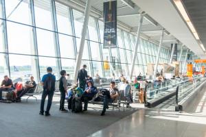 Paszport covidowy: jak uzyskać certyfikat? Gdzie zadziała i od kiedy? Sprawdź, co trzeba wiedzieć przed wyjazdem na wakacje 2021