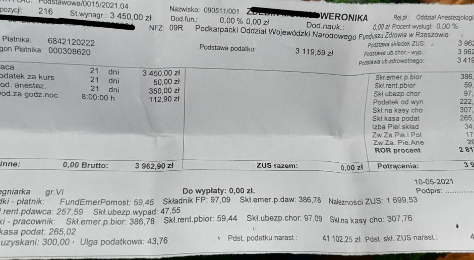 """Pielęgniarki pokazały paski z wypłat. Na niektórych widać kwoty rzędu 2,5 tys. zł """"na rękę"""""""