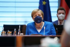Angela Merkel w pełni zaszczepiona. Przyjęła dwie różne szczepionki