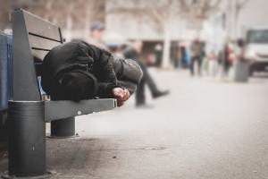 Warszawa rusza ze szczepieniami bezdomnych. Dla chętnych szczepionka Johnson&Johnson