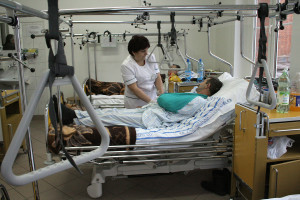 """Pielęgniarki nie składają broni: """"Jedno życie - jeden etat''. Krystyna Ptok: będzie druga fala strajków i protestów"""