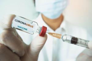 Dlaczego się nie szczepimy? Bo nie wierzymy lekarzom i państwowym instytucjom