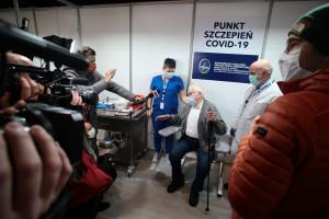 W pełni zaszczepionych jest w Polsce 12,7 mln osób. Mniej niż połowa ma paszport covidowy