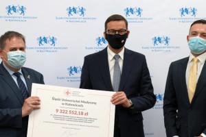 Powstanie Śląskie Centrum Wsparcia Badań Klinicznych. Premier przekazał czek na 9,3 mln zł
