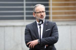 Najważniejsze związki i samorządy chcą dymisji Niedzielskiego. Wniosek nawet do prezesa PiS