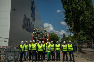 Adamed za 300 mln zł buduje centrum produkcyjno-logistyczne. Wiecha już zawisła