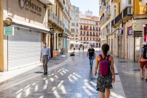 Eksperci mówią o piątej fali w Hiszpanii. Tydzień temu zniesiono tu obowiązek noszenia maseczek na zewnątrz