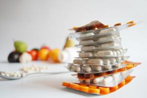 Ryzyko nabycia podróbek leków nadal aktualne. W Internecie nawet co drugi preparat może być sfałszowany