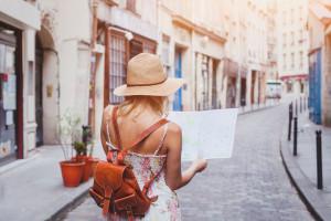 Zagraniczne wakacje w  pandemii. Kary za brak maseczki to nawet kilkaset euro. Gdzie i na co uważać?