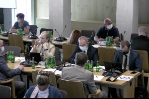 Sejmowa Komisja Zdrowia o zarobkach ratowników medycznych - oglądaj retransmisję