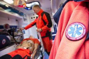 Posłanka pytała o zarobki ratowników medycznych. Wiceminister: dodatki covidowe otrzymało 22 tys. ratowników