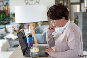 66 tys.  euro odszkodowania dla kobiety, która w obawie przed koronawirusem odmówiła pracy w biurze