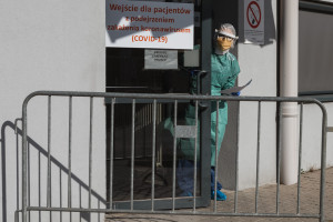 Odwiedziny w szpitalach tylko dla w pełni zaszczepionych? Kraska: rozważamy to