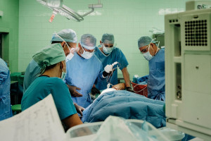 Sukces lekarzy z Gliwic. Usunęli pacjentce 3-kilogramowego guza, potem wszczepili implant 3D