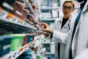 Polak zużywa dwa razy więcej antybiotyków niż Szwed. Skutek? Rośnie lekooporność