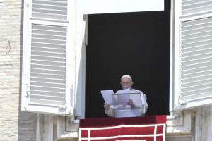 Franciszek na Słowacji. Spotkanie z papieżem tylko po szczepieniu na COVID-19