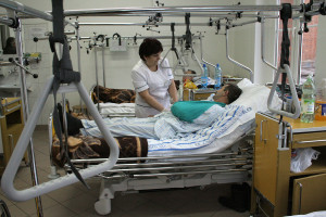 Pielęgniarki pytały MZ o zarobki i dodatek zembalowy. Wiceminister odpowiedział