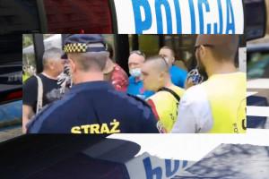 Antyszczepionkowcy zaatakowali punkt szczepień w Grodzisku Mazowieckim. Interweniowała policja