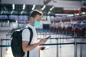 Paszport covidowy dla ozdrowieńców tylko w teorii. Tysiące osób może mieć problem