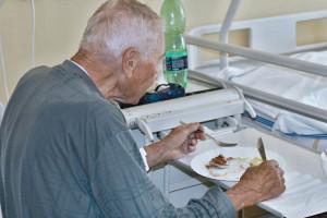 NFZ szuka agencji PR do przeprowadzenia kampanii o żywieniu w szpitalach