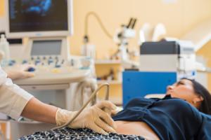 Bezpłatne leki i wyroby medyczne dla ciężarnych i młodych matek. Rząd przyjął projekt