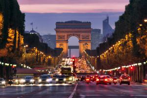 Rozszerzony paszport covidowy we Francji od 9 sierpnia. W terytoriach zamorskich stan wyjątkowy