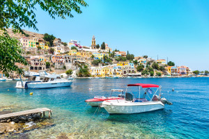 """Grecja na wakacje? ECDC odradza podróże na 13 wysp. To """"obszar wysokiego ryzyka"""""""