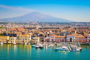 Czwarta fala we Włoszech stała się faktem. Sycylia i Sardynia w czerwonej strefie