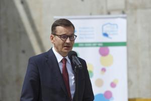 Morawiecki: jeśli zachęcanie do szczepień nie pomoże, będą restrykcje