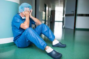 Zaburzenia lękowe i stres. Tak pandemia wpływa na pracowników ochrony zdrowia.
