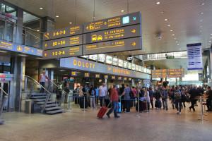 Wniosek o EKUZ tylko na dwa sposoby. NFZ wprowadza ważną zmianę dla podróżujących za granicę