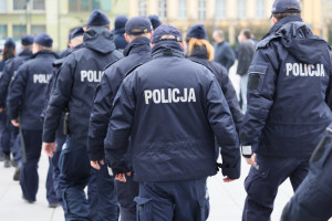 Tylko połowa policjantów w Polsce zaszczepiona przeciw COVID-19