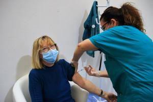 Będzie trzecia dawka szczepionki przeciw Covid-19? Członek Rady Medyczne: oficjalnej rekomendacji jeszcze nie ma