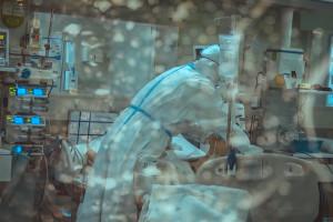 Grzesiowski: koronawirus zabija również po wypisaniu ze szpitala. Ekspert podaje statystyki