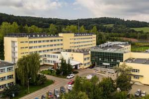 Wałbrzych. Pracownicy szpitala protestują wobec odwołania dyrektor Marioli Dudziak