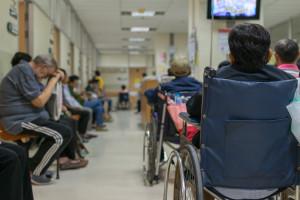"""Szpitale miały problem z wypisami w trybie """"na żądanie"""". MZ zapowiada zmiany"""