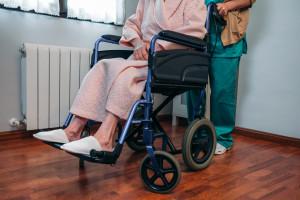 NFZ przedłuża termin rozliczenia projektu dotyczącego placówek opiekuńczo-leczniczych