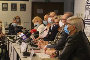 """Medycy oburzeni słowami ministra Niedzielskiego. Chirurdzy: """"Nie ma żadnych negocjacji"""""""