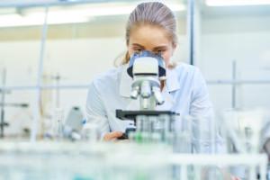 Osiem wniosków do ABM na komercyjne badania kliniczne. Mają rozwijać technologie RNA
