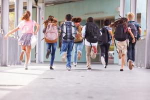 Uczniowie wracają do szkół. Nauka zdalna jednak w określonych sytuacjach nadal możliwa