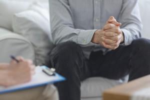 Polacy skarżą się na pogorszenie zdrowia psychicznego, ale nie szukają pomocy