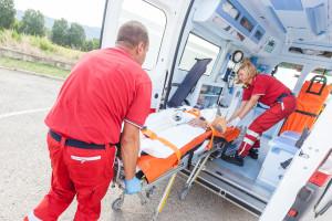 Duńskie badania: 12 proc. chorych dzień przed zawałem kontaktowało się z pogotowiem